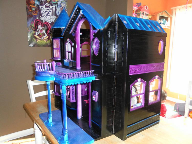 My Monster High Doll House Tour