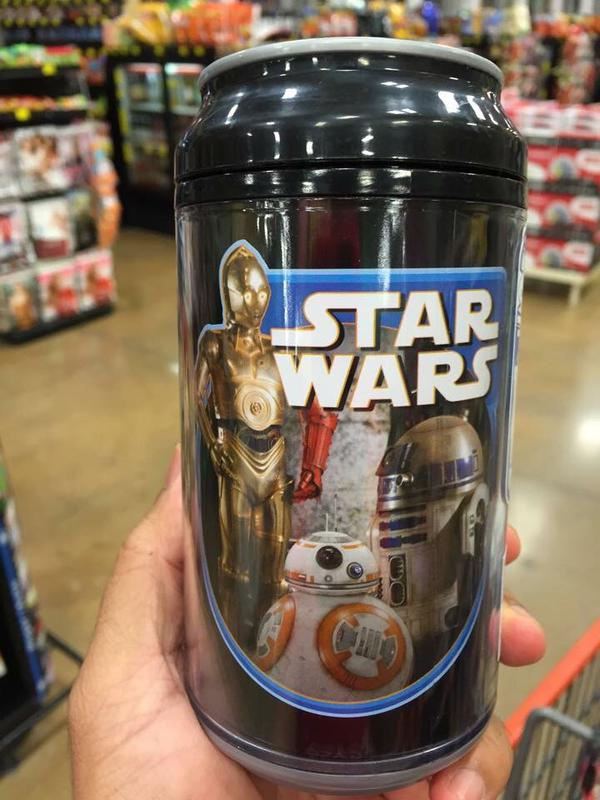 C-3PO has a red arm in The Force Awakens
