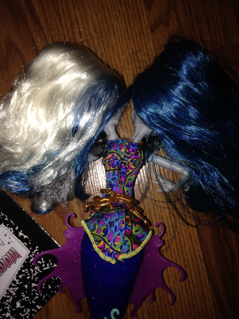 Monster-high-great-scarier-reef-doll